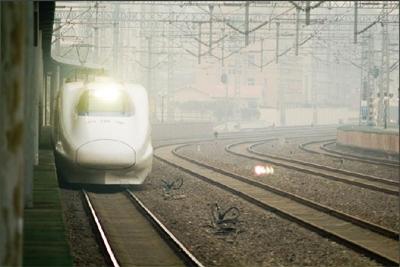 记者在火车站东售票大厅看到,今日至19日,青岛至哈尔滨东的k702次